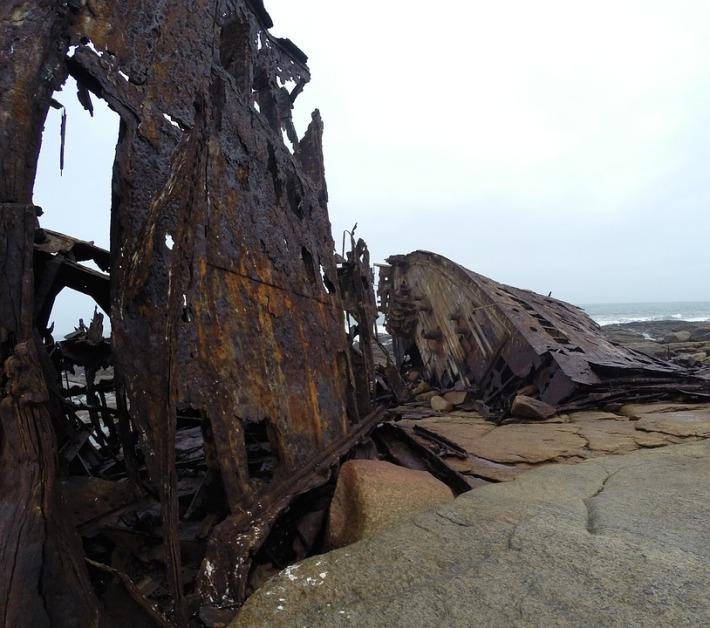 shipwreck-1121185_960_720